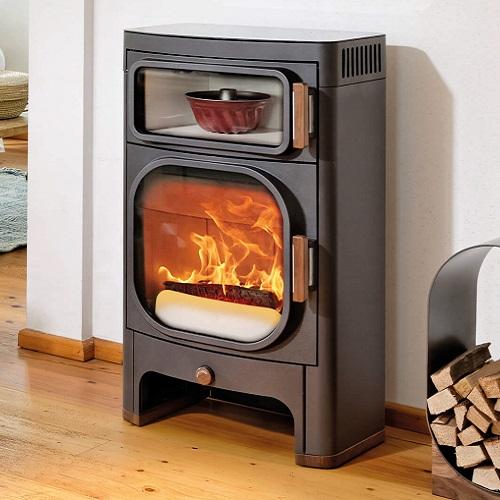 Stufa a legna con forno e piastra per cucinare